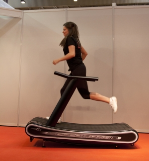 Speedfit pro curve manual treadmill commercial grade for Best non motorized treadmill